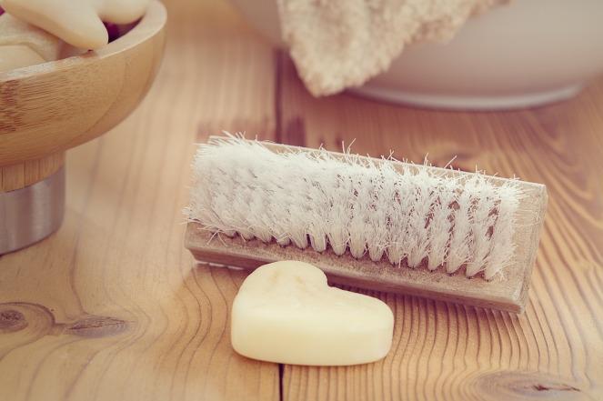 cosmétiques écologiques brosse en bois